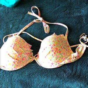 Victoria's Secret 34DD bathing suit tops/bottoms